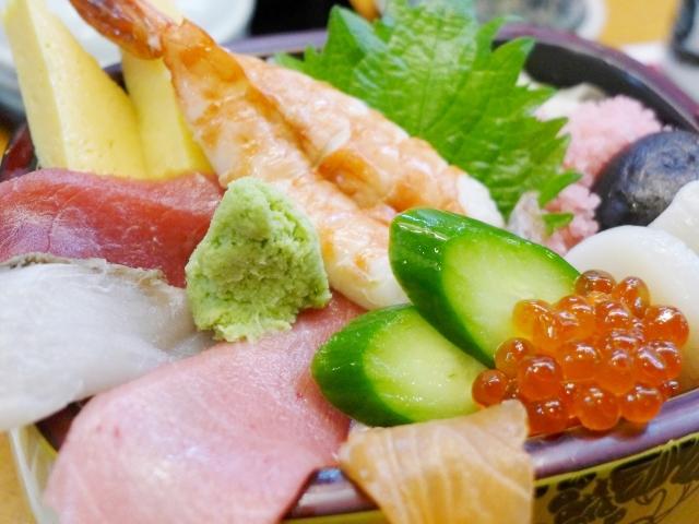 食べなきゃ損!築地のオススメ海鮮丼
