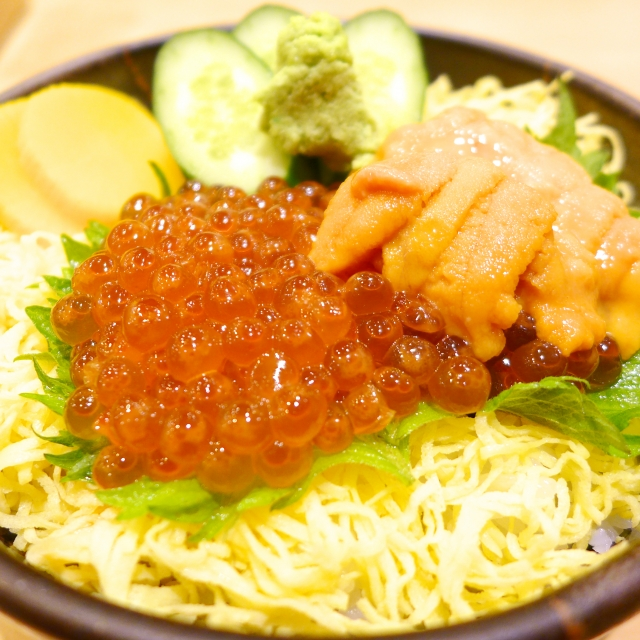 安くて新鮮な海鮮丼の楽しみ方