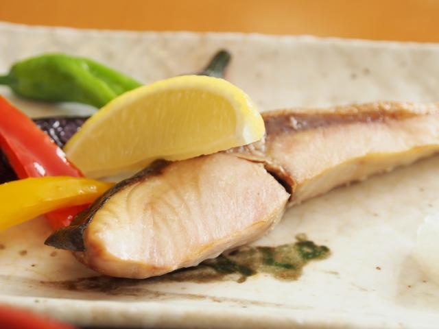 鉄分を豊富に含む食材、ブリ