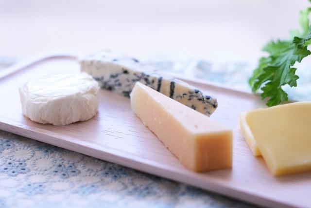 トリプトファンを含む食べ物 チーズ