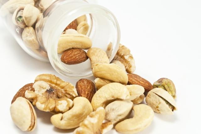 乾燥肌に有効なナッツ