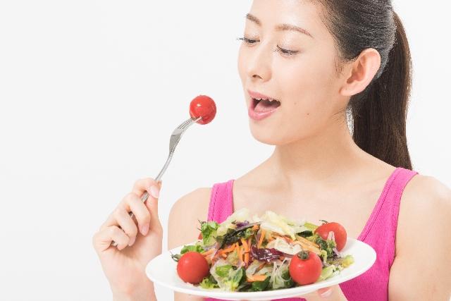 野菜、果物、海藻サラダ ビタミンCが骨に効く