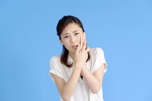 顔のむくみ3つの原因と解消法-アレを食べてますか?飲酒対策にも!