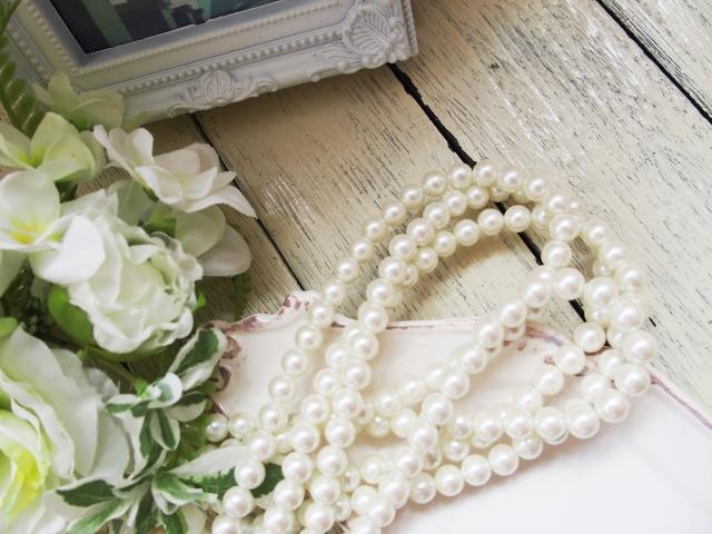 真珠ネックレスの選び方ー冠婚葬祭でのマナーや使い方のポイント